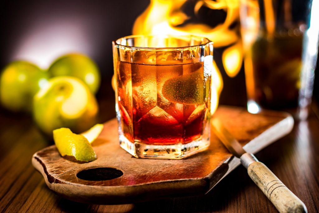 Drinque foi criado especialmente para o Dia da Cachaça